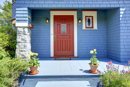 Listing system includes training on 'the front door strategy' for maximum 1st impression with the seller.